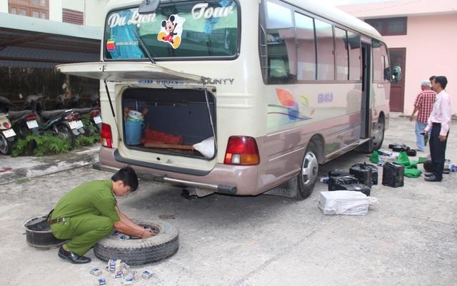 Số thuốc lá lậu giấu trong lốp xe bị phát hiện