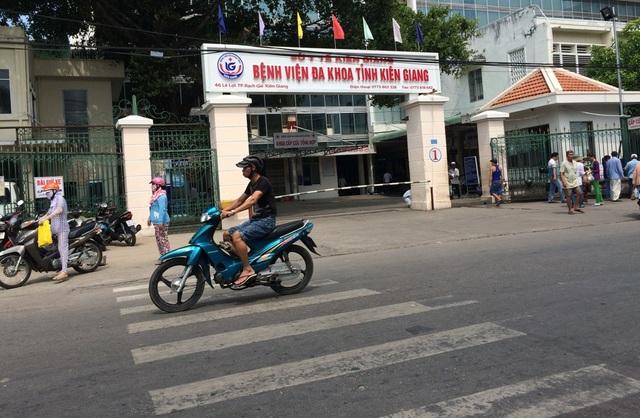 Ông Ngô Hữu Đàng sau một tuần điều trị tại BV Đa khoa Kiên Giang đã được xuất viện hôm qua (7/12)