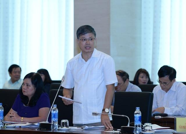 Đại biểu Nguyễn Sỹ Cương không tán thành quan điểm để công chức được quyền thoải mái tham gia các hội (ảnh: Quochoi.vn).