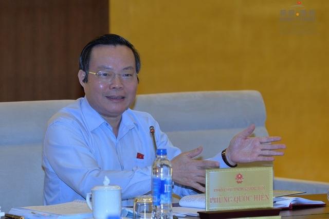 Phó Chủ tịch Quốc hội Phùng Quốc Hiển nhận định, các chỉ tiêu về nợ công hiện đều rất... khó khăn. (Ảnh: Quochoi.vn)