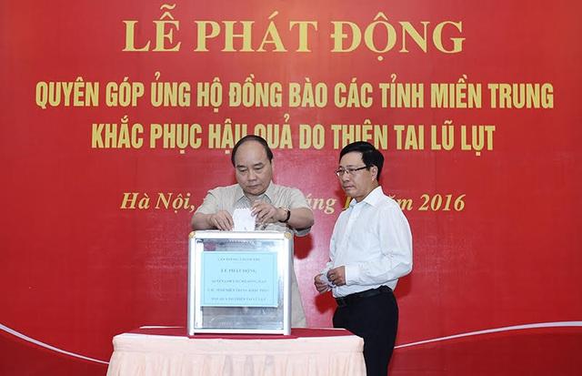 Thủ tướng, các Phó Thủ tướng quyên góp ủng hộ đồng bào miền Trung - 1