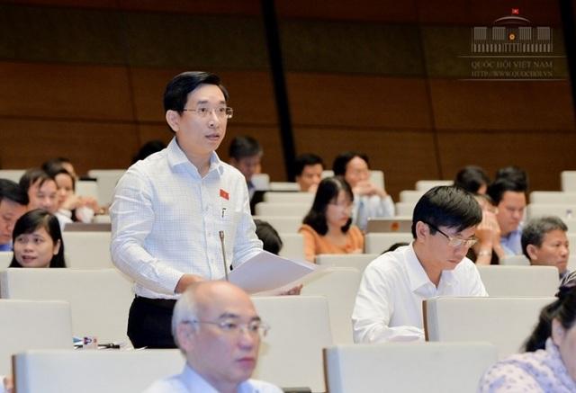 Đại biểu Nguyễn Văn Cảnh đề nghị giải pháp đổi đất lấy hạ tầng.