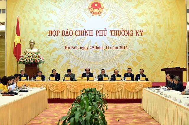 Vấn đề chấn chỉnh cán bộ được đề cập nhiều trong cuộc họp báo Chính phủ thường kỳ tháng 11 (ảnh: VGP).