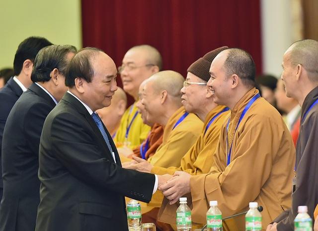 Thủ tướng gặp gỡ các chức sắc tôn giáo cả nước.