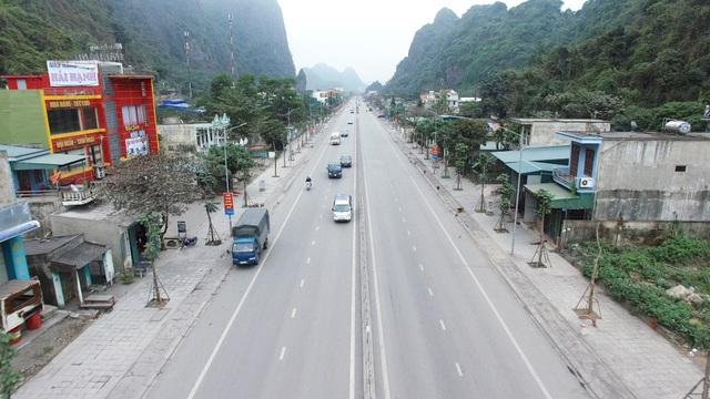 Sau hơn hai năm triển khai, dự án đã hoàn thành, tuyến đường được nâng lên 4 làn xe cơ giới, có dải phân cách cứng, với chiều rộng nền 20,5m.