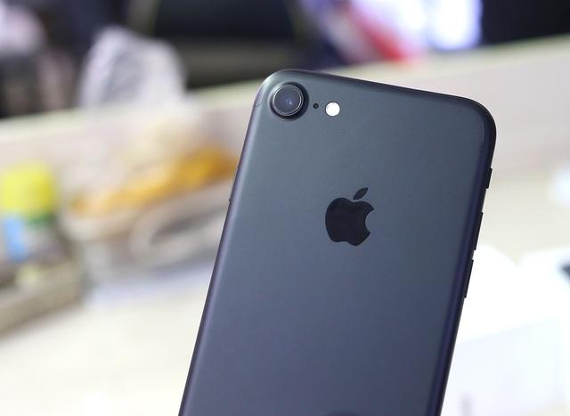 Cận cảnh camera của iPhone 7