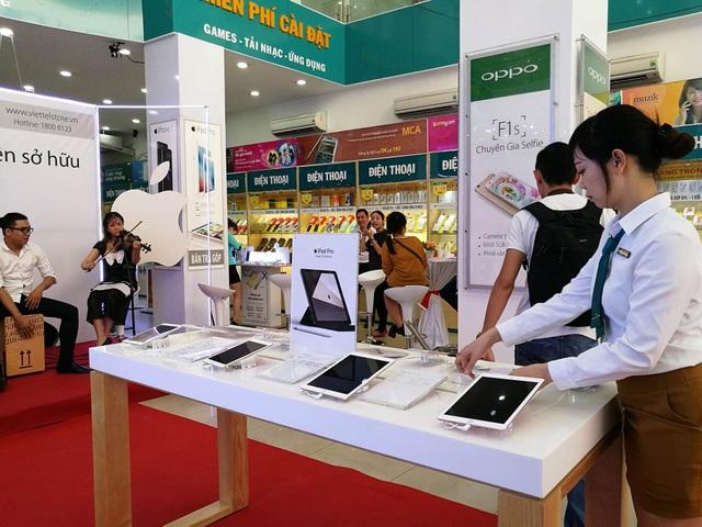 Viettel Store cũng mở bán iPhone 7 sáng 11/11