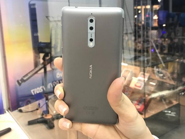 Từ nay – 13/10, khi đặt trước siêu phẩm Nokia 8 tại FPT Shop, bạn sẽ được nhận ngay phiếu mua hàng trị giá 200.000 đồng