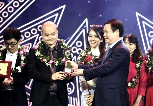Monkey Junior là sản phẩm đạt giải nhất Nhân Tài Đất Việt 2016 và Sáng kiến toàn cầu.