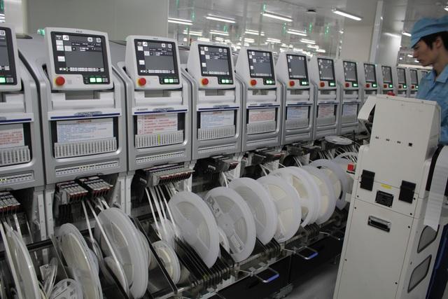 44 dây chuyển sản xuất bo mạch có công suất 10.000 bo mạch/ngày/dây chuyền
