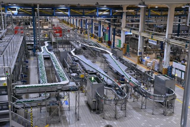 Dây chuyền sản xuất hiện đại hoàn toàn tự động và khép kín đảm bảo chất lượng cho những mẻ bia Heineken thượng hạng
