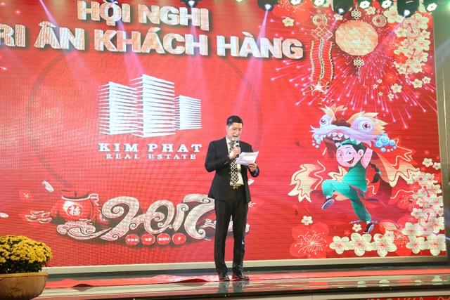 MC Bình Minh là người dẫn chương trình của Bữa tiệc Tri ân