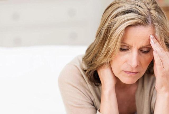 (Bốc Hỏa, Mất Ngủ là các triệu chứng thường gặp ở phụ nữ tiền mãn kinh, mãn kinh)