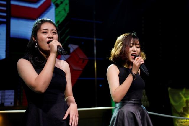 (Ảnh) Hải Hạ và Minh Nguyệt đã có phần mở màn tuyệt vời cho đêm thi Đối Đầu.