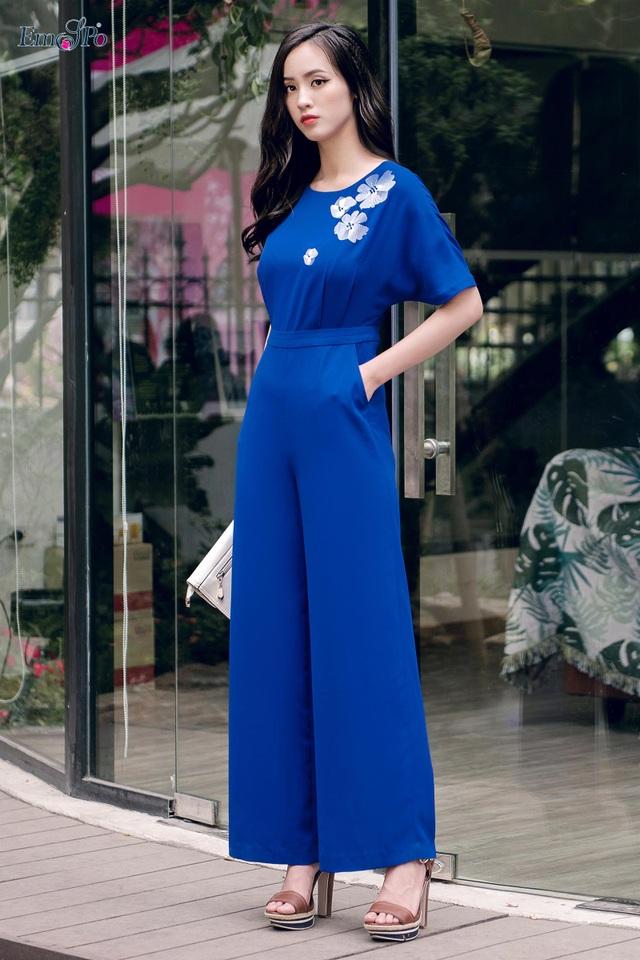 Sự sáng tạo trên những chất liệu vải và kiểu dáng hiện đại được các nhà thiết kế EMSPO thổi hồn trong từng thiết kế khiến cho thời trang không chỉ còn là trang phục khoác trên người mà còn là đại diện cho vẻ đẹp tâm hồn của người phụ nữ.