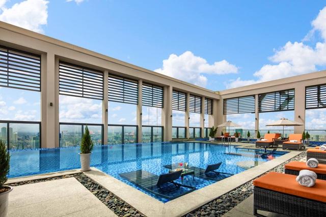 Bể bơi vô cực trên tầng thượng mang đến tầm nhìn mê hoặc lòng người
