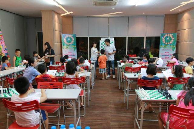 Lớp cờ vua trong mùa Hè vui 2018 là một hoạt động thu hút rất nhiều các cư dân nhí của Ciputra.