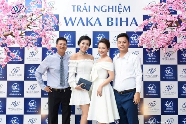 Bảo Thanh và Thanh Hương cùng Ban giám đốc
