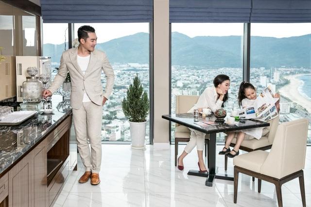 Checkin tại tầng cao nhất khách sạn với tầm nhìn rộng mở sẽ mang lại những ấn tượng khó phai