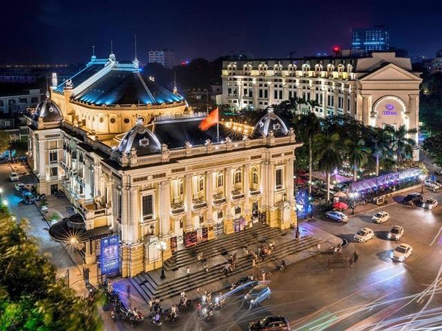 Vẻ đẹp đầy mê hoặc của Nhà hát lớn Hà Nội mang đặc trưng kiến trúc Tân cổ điển