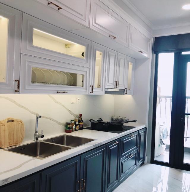 Khoang bếp riêng biệt, nhẹ nhàng, sang trọng và thoáng khí