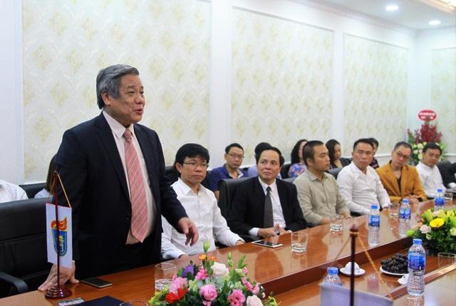 GS.TSKH.NGND Vũ Minh Giang, Chủ tịch Hội đồng Khoa học và Đào tạo, Đại học Quốc gia Hà Nội bày tỏ suy nghĩ tại buổi lễ