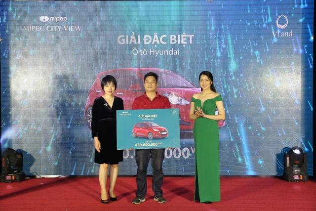 Anh Nguyễn Xuân Trường, khách hàng may mắn trúng giải đặc biệt của chương trình