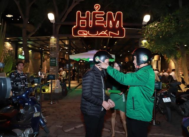 Green Rider – các tài xế mặc đồng phục xanh lá cây sẽ đưa những người đã sử dụng rượu bia và cả phương tiện của họ về tận nhà