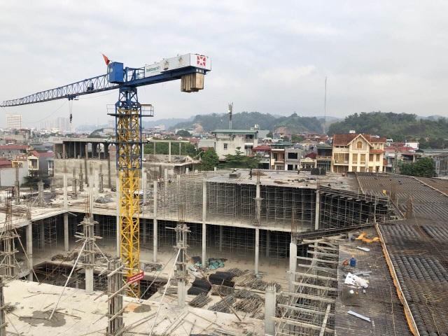 Chợ Du lịch Lào Cai đang trong giai đoạn hoàn thiện phần thô, đã xây dựng đến tầng 3