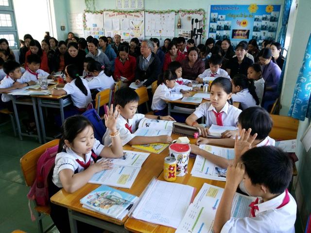Đây là một hoạt động chuyên môn bình thường để giáo viên đánh giá và học hỏi lẫn nhau (Trong ảnh: Tiết thao giảng mô hình VNEN tại một trường học ở Kon Tum. Ảnh: Phòng GD-ĐT Thành phố Kon Tum)