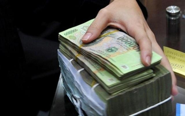 Một phần lớn trong các khoản vay mới của Chính phủ nhằm để trả nợ cũ