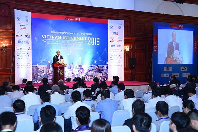 Việt Nam đang triển khai mạnh mẽ tái cơ cấu nền kinh tế và chuyển đổi mô hình tăng trưởng từ chiều rộng sang chiều sâu