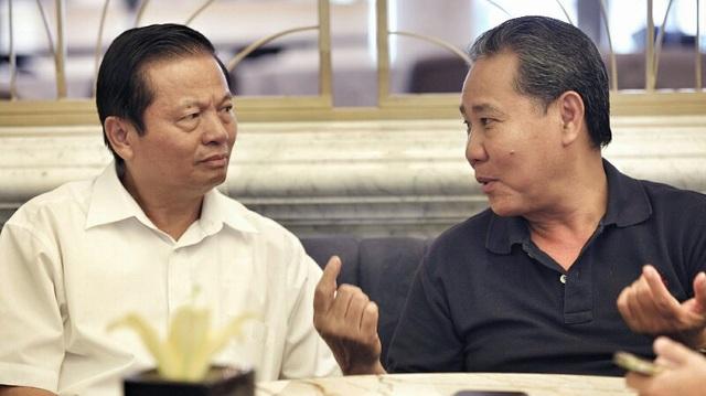 Ông Lê Doãn Hợp (trái) và ông Huỳnh Văn Thòn (phải)