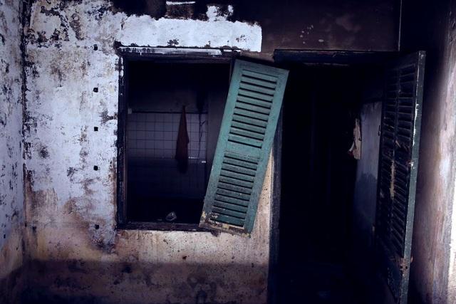 Căn phòng tắm trước đây của một hộ dân.