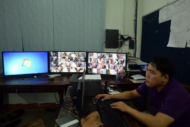 Trong tất cả các phòng ở của học viên đều đặt camera giám sát chặt chẽ để tránh tình trạng đánh nhau hay có những học viên cố tình bỏ trốn ra ngoài.
