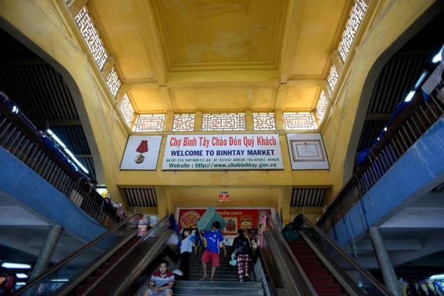 Dù do người phương Tây thiết kế kỹ thuật nhưng ngôi chợ lâu đời nhất Sài Gòn lại mang đậm nét kiến trúc Á Đông.