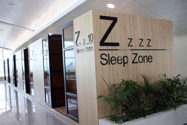 Nhà ga mở rộng cũng khai trương dịch vụ phòng ngủ mini có thu phí. Dịch vụ này gồm 10 phòng ngủ mini, phục vụ hành khách nghỉ ngơi trong lúc chờ đợi chuyến bay.