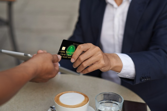 """Thẻ tín dụng - """"Quyền lực"""" cho mọi tín đồ Shopping - 1"""