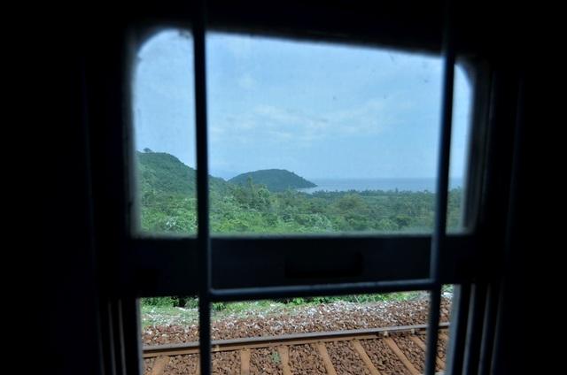 Ngành đường sắt cần có những chính sách thoải mái hơn trong việc phân phối vé. Có được sự ổn định về vé, các đơn vị làm tour sẽ thuận tiện hơn trong việc đưa sản phẩm đến tay của du khách.