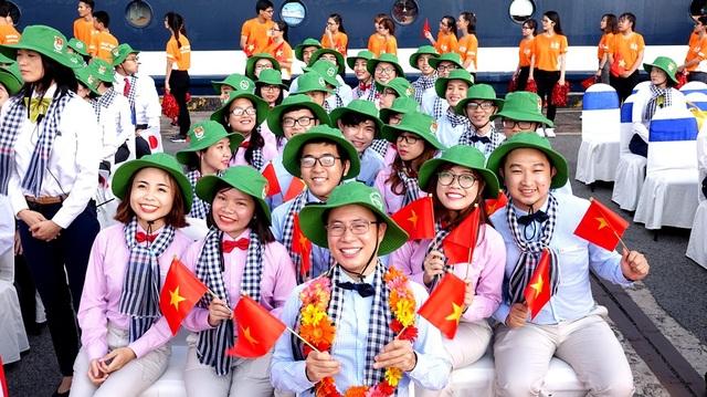 28 thành viên đoàn Việt Nam.