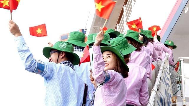 Trọng trách của các bạn không hề nhẹ nhàng khi phải chứng tỏ cho bạn bè quốc tế thấy thanh niên Việt Nam năng động, cầu tiến, tự tin và đoàn kết.
