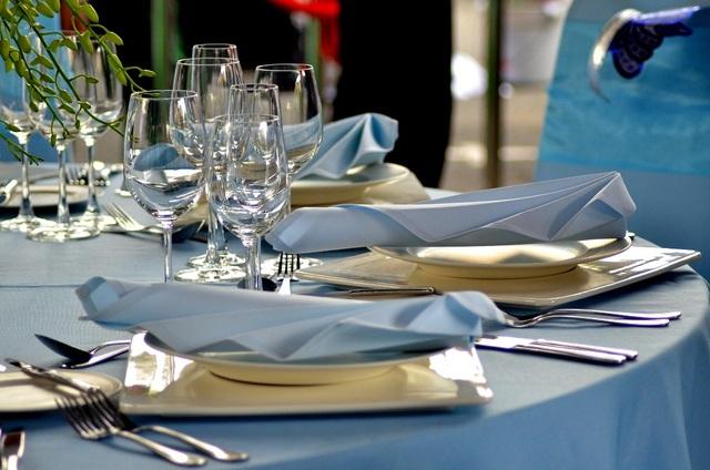 Các bàn tiệc trong cuộc thi Đầu bếp 5 sao 2015 đều mang phong cách riêng của từng đơn vị.
