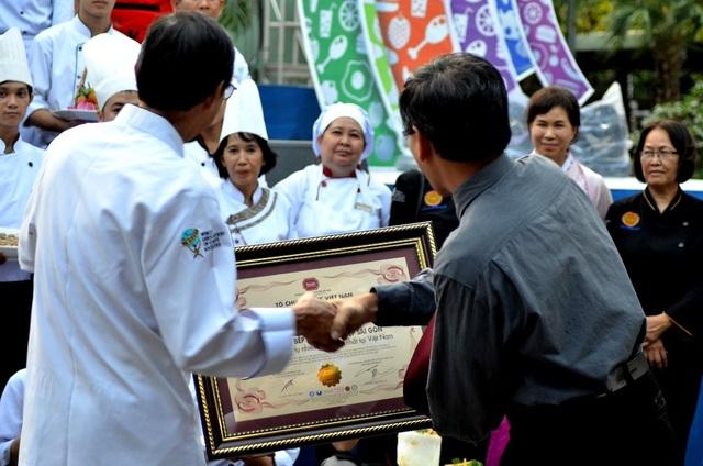 Liên hoan là sự kết hợp của nhiều đơn vị, tổ chức chung tay góp sức tạo nên nhiều giá trị mang tính bảo tồn và phát triển văn hóa ẩm thực.