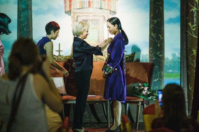 Nguyễn Hoàng Điệp nhận Huân chương Hiệp sĩ của chính phủ Pháp tại Hà Nội - 3