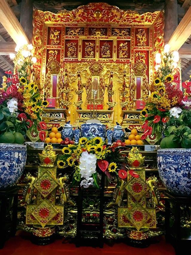 NSƯT Hoài Linh phờ phạc chuẩn bị cho lễ giỗ tổ sân khấu - 4