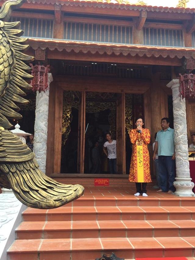 NSƯT Hoài Linh phờ phạc chuẩn bị cho lễ giỗ tổ sân khấu - 6