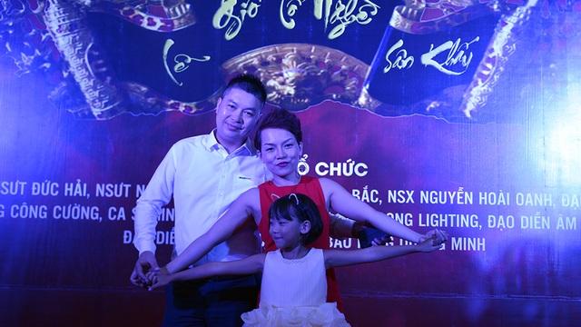 Gia đình ca sĩ Thái Thuỳ Linh.