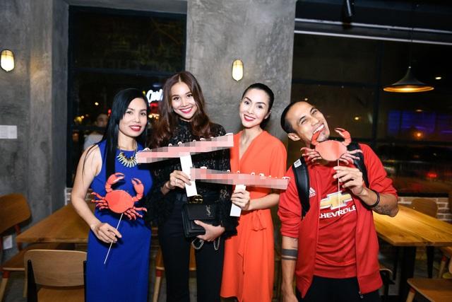 """Dàn sao Việt """"lội nước"""" đến chúc mừng vợ chồng Tăng Thanh Hà - 9"""