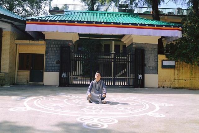 Tùng Dương nghỉ chạy show, hành hương về đất Phật - Ấn Độ - 14
