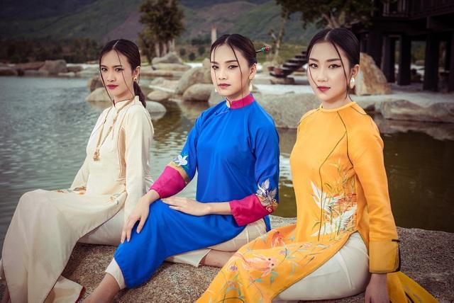 Phùng Lan Hương đến từ Hà Nội được ví như bản sao của Á hậu Tú Anh từ vóc dáng lẫn tính cách. Hiện Lan Hương đang là sinh trường ĐH RMIT. Lan Hương được đánh giá cao ở Hoa hậu Việt Nam và từng dự đoán là ứng cử viên Top 5.